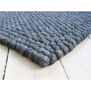 Antracitový kuličkový vlněný koberec Wooldot Ball Rugs, ⌀ 100 x 150 cm