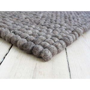 Ořechově hnědý kuličkový vlněný koberec Wooldot Ball Rugs, 100 x 150 cm
