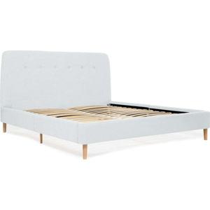 Světle modrá dvoulůžková postel s dřevěnými nohami Vivonita Mae King Size, 180 x 200 cm
